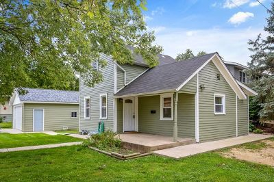 East Dundee Single Family Home Price Change: 202 South River Street