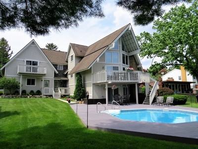 McHenry Single Family Home For Sale: 2410 Orchard Beach Road