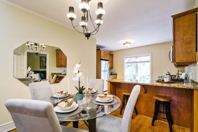 Winnetka Condo/Townhouse For Sale: 549 Hill Terrace #303