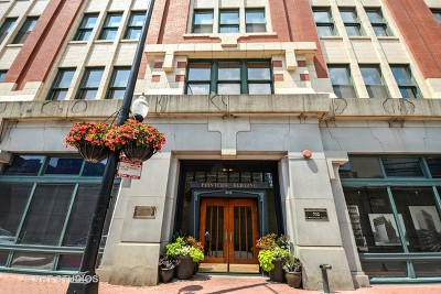Condo/Townhouse Price Change: 732 South Financial Place #813