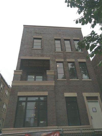 Condo/Townhouse For Sale: 3913 North Janssen Avenue #2
