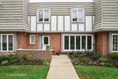 Highland Park Condo/Townhouse For Sale: 1495 Chantilly Court