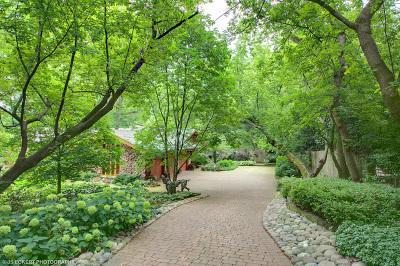 Lake Forest Single Family Home For Sale: 1585 Tara Lane