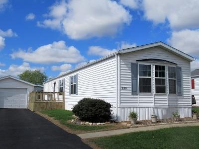 Marengo Single Family Home Price Change: 820 Cayuga Trail