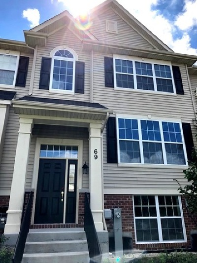 South Elgin Condo/Townhouse For Sale: 69 Melrose Court