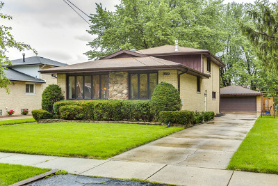 Oak Lawn Single Family Home For Sale: 6432 West 89th Place