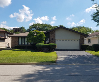 Downers Grove Single Family Home For Sale: 7011 Creekside Road
