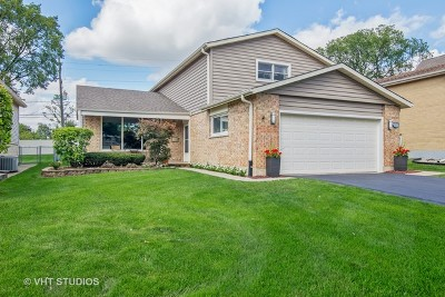 Elmhurst Single Family Home Price Change: 369 East Yorkfield Avenue