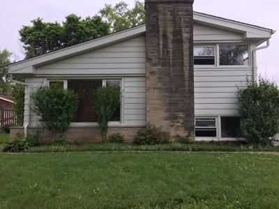 Glenview Single Family Home For Sale: 2414 Fontana Drive