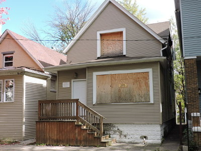Chicago IL Single Family Home For Sale: $22,900