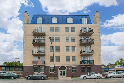 Condo/Townhouse For Sale: 5978 North Lincoln Avenue #5B