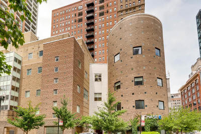 Condo/Townhouse For Sale: 40 East 9th Street #905