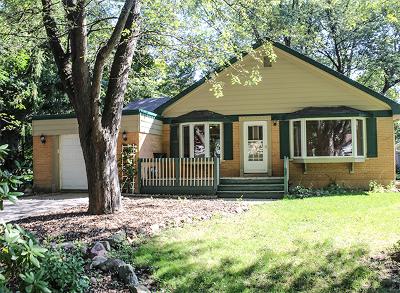 Lakewood Single Family Home For Sale: 345 Oxford Lane