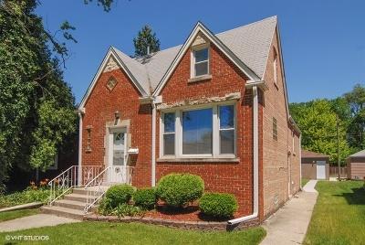Brookfield Single Family Home For Sale: 9442 Jackson Avenue