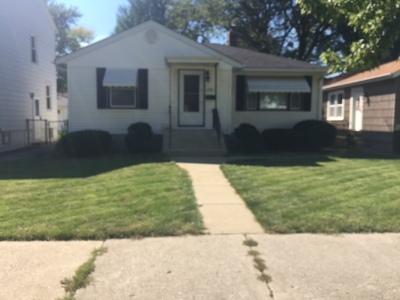 Lansing  Single Family Home For Sale: 17910 Henry Street