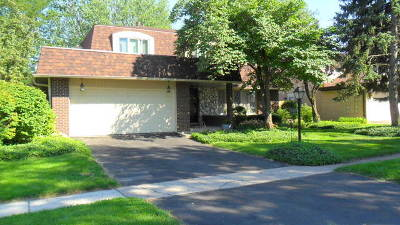 Palos Heights, Palos Hills Single Family Home For Sale: 10439 South Alta Drive