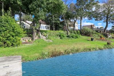 Grayslake Single Family Home For Sale: 33550 North Lake Shore Drive