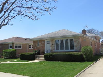 Niles Single Family Home For Sale: 8606 North Ozanam Avenue