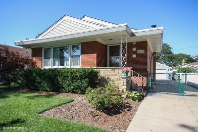 Oak Lawn  Single Family Home For Sale: 10120 South 53rd Avenue