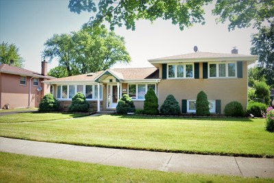 Glenview Single Family Home For Sale: 111 Crescent Drive