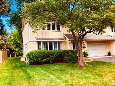 Wilmette Condo/Townhouse Re-Activated: 227 Pin Oak Drive