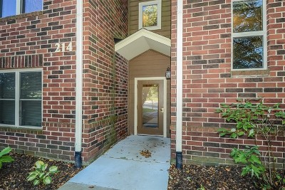 Bloomingdale Condo/Townhouse For Sale: 214 Glengarry Drive #201