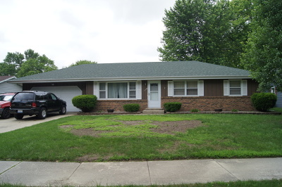 Aurora IL Single Family Home New: $200,000