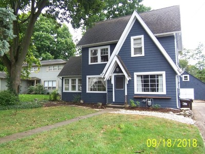 Crystal Lake Single Family Home For Sale: 277 West Woodstock Street