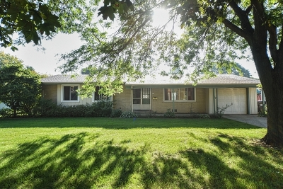 Crystal Lake IL Single Family Home New: $180,000