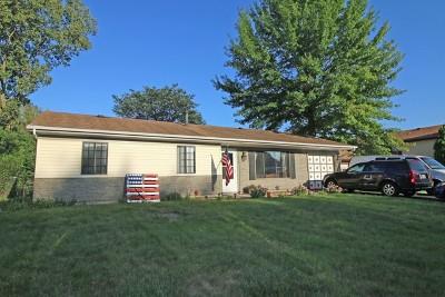 Hanover Park Single Family Home For Sale: 4039 Bayside Drive