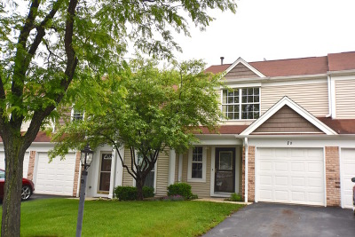 Streamwood Condo/Townhouse For Sale: 1 Chaucer Lane #B