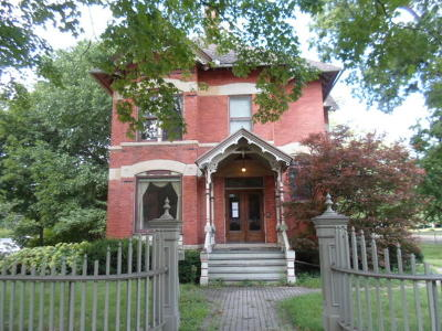 Dekalb Single Family Home For Sale: 329 North 3rd Street