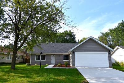 Hanover Park Single Family Home For Sale: 1541 West Beverly Circle