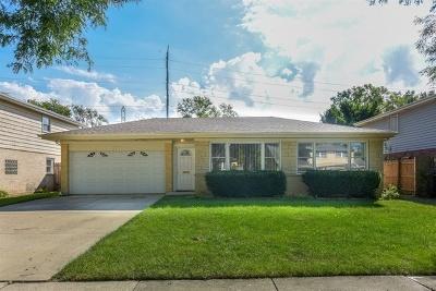 Glenview Single Family Home For Sale: 1321 Cariann Lane