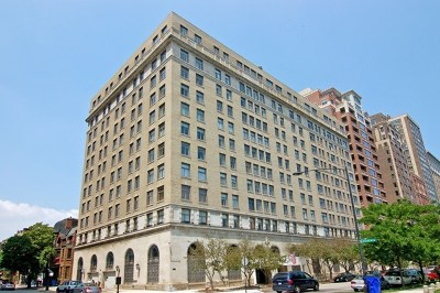 Condo/Townhouse New: 2100 North Lincoln Park West #3BS