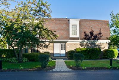 Libertyville Condo/Townhouse For Sale: 809 Garfield Avenue #A