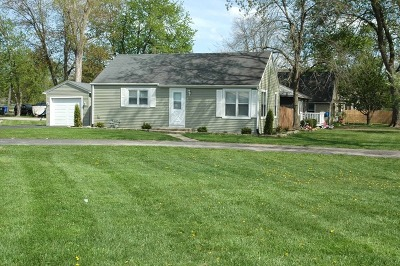 South Elgin Single Family Home Contingent: 140 Woodrow Avenue