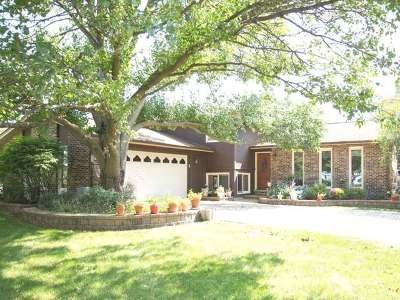 Darien Single Family Home For Sale: 7205 Gold Grove Place