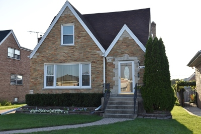 Norridge Single Family Home For Sale: 4704 North Ozanam Avenue