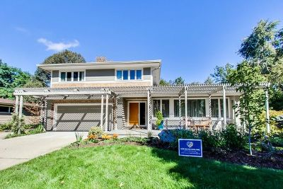 Libertyville Single Family Home For Sale: 1212 Crane Boulevard