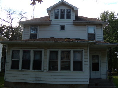 Kankakee Single Family Home For Sale: 369 South Chicago Avenue