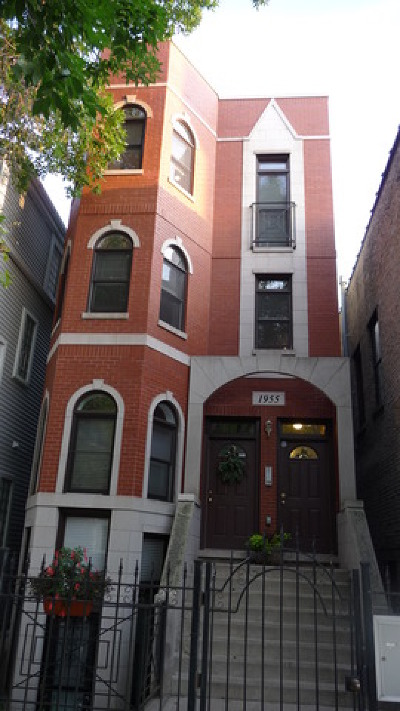 Roscoe Village Condo/Townhouse For Sale: 1955 West Melrose Street #3
