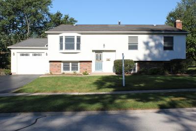 Woodridge Single Family Home For Sale: 8128 Leawood Lane