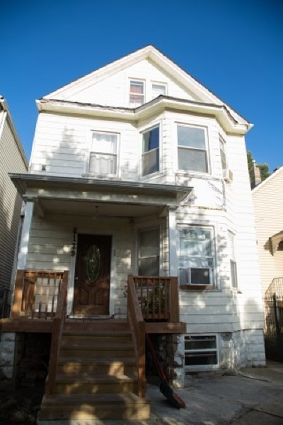 Multi Family Home For Sale: 6129 North Ravenswood Avenue