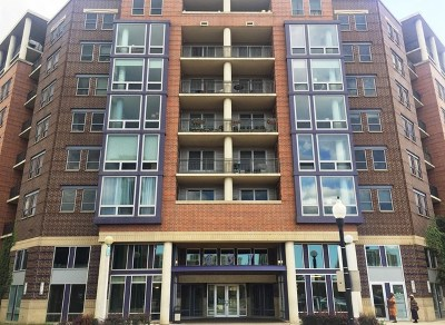 Condo/Townhouse For Sale: 437 West Division Street #901
