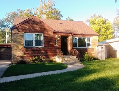Maywood Single Family Home For Sale: 1139 Nichols Lane
