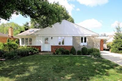 Elmhurst Single Family Home For Sale: 498 East Park Avenue