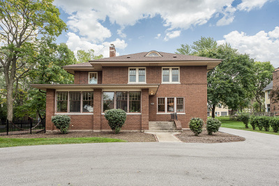 Downers Grove Single Family Home For Sale: 811 Maple Avenue