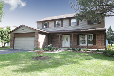 Crystal Lake Single Family Home For Sale: 303 Cascade Drive
