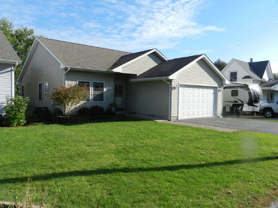 Sycamore Single Family Home For Sale: 317 Plymouth Court